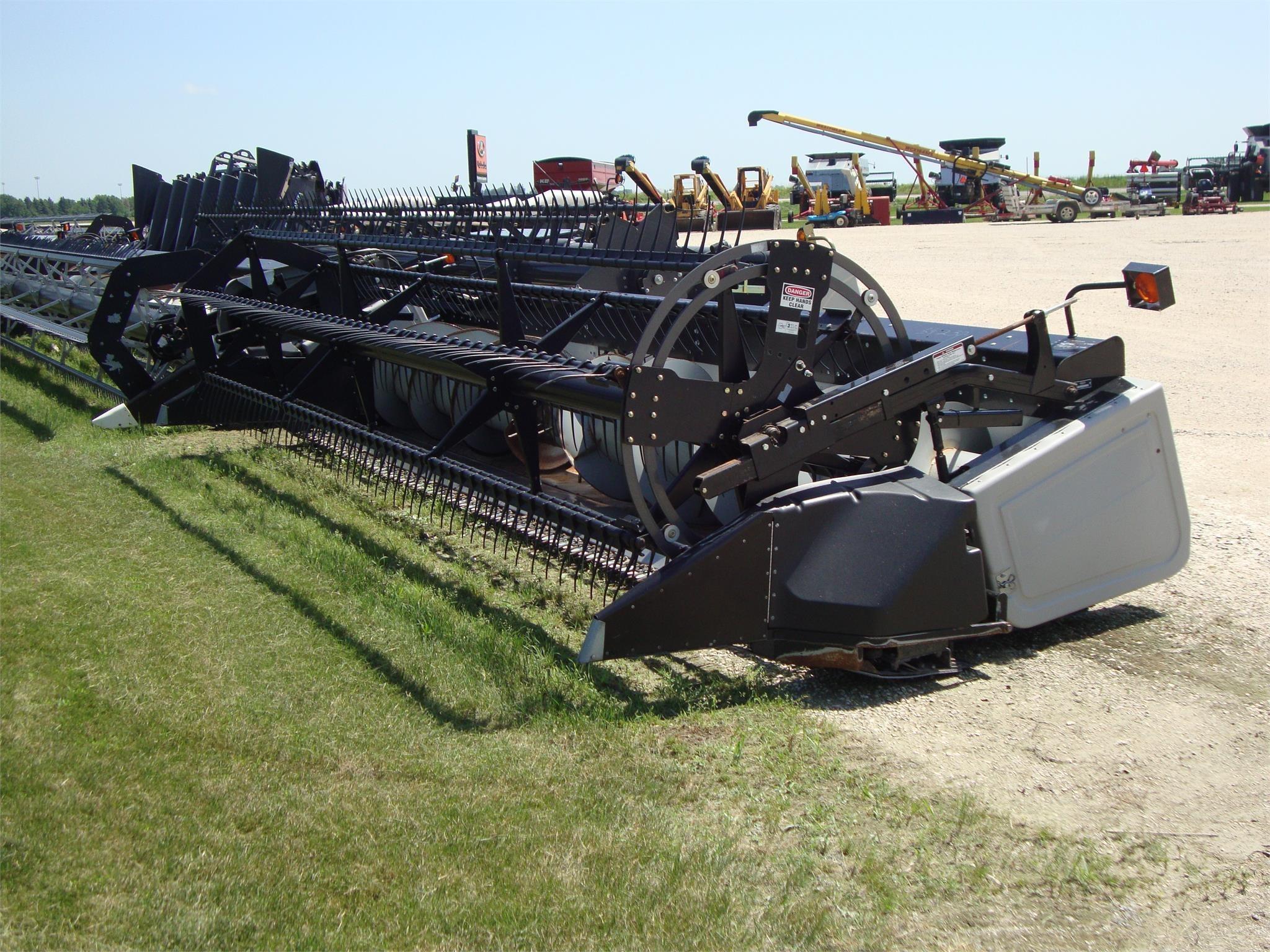 1999 Gleaner 820 Platform