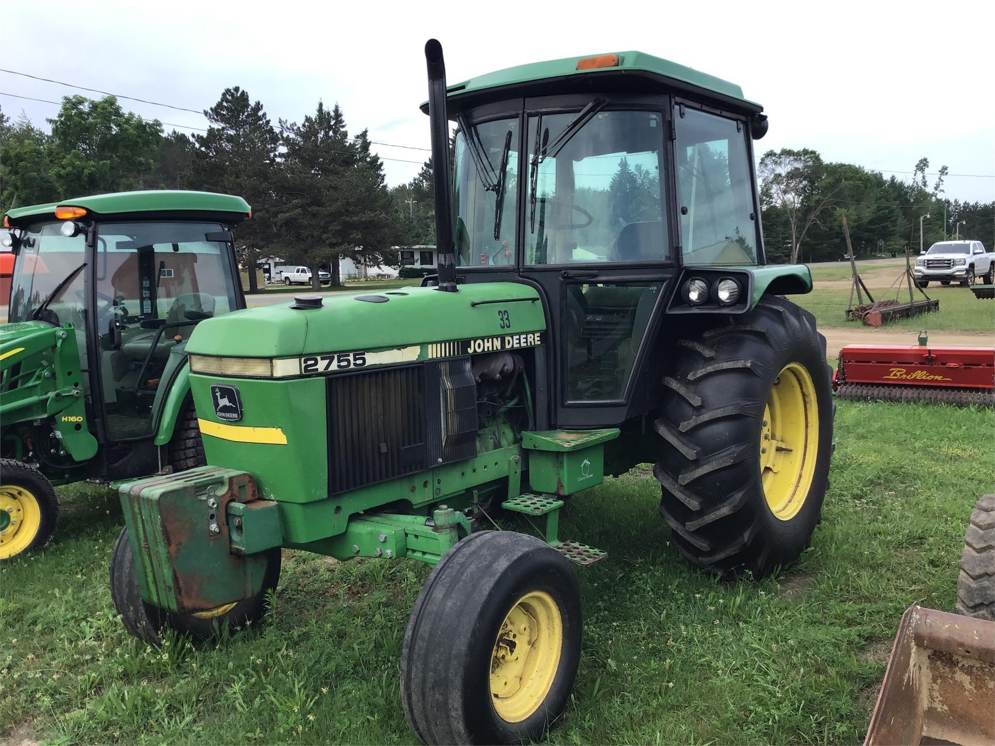 John Deere 2755 Tractor