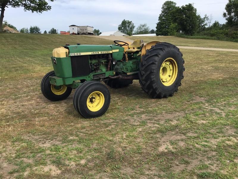 John Deere 2640 Tractors for Sale | Machinery Pete