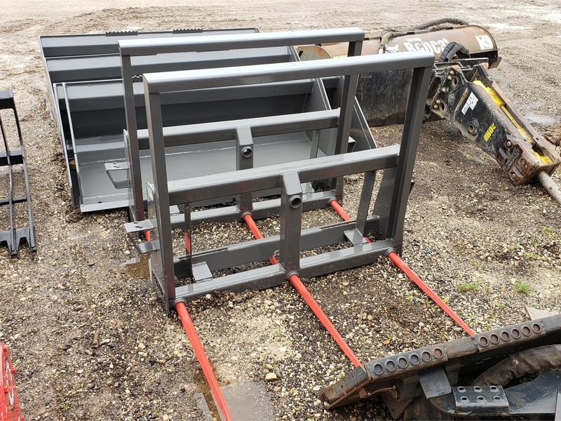 Berlon BSC3324 Loader and Skid Steer Attachment