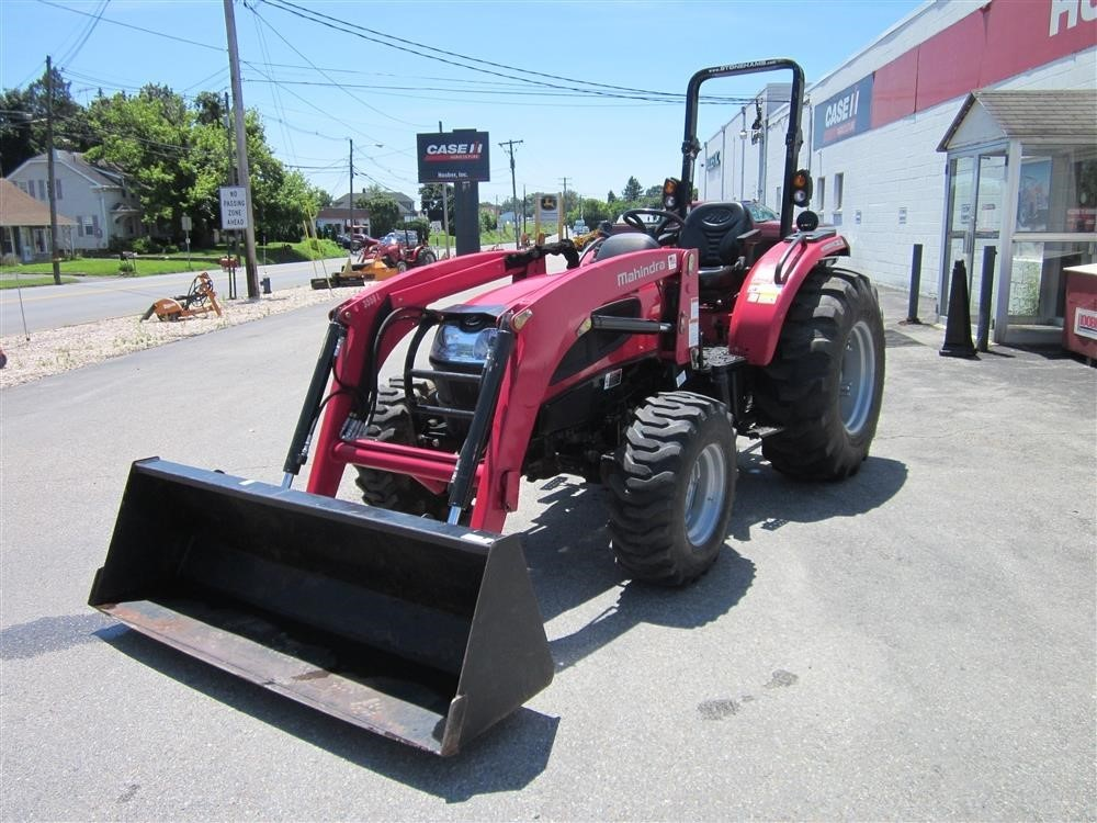 2015 Mahindra 3540 HST Tractor