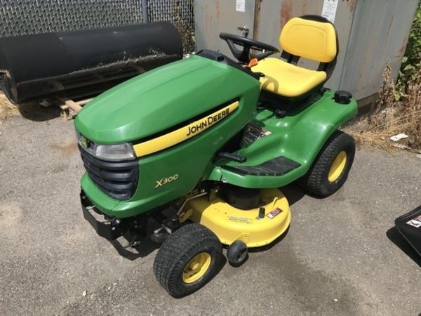John Deere X300 Lawn and Garden for Sale | Machinery Pete