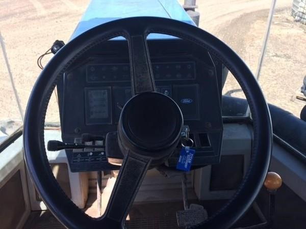 1993 Versatile 846 Tractor
