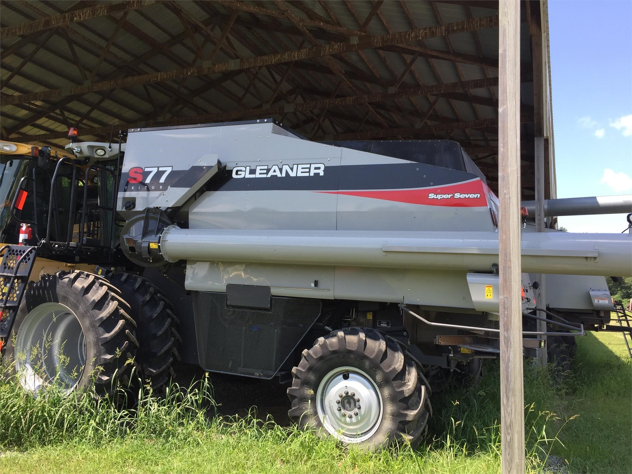 2014 Gleaner S77 Combine