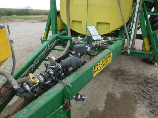 2009 Summers Manufacturing ULIMATE NT 110' Pull-Type Sprayer