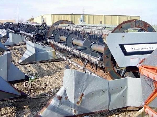 1980 Gleaner SERIES II Platform