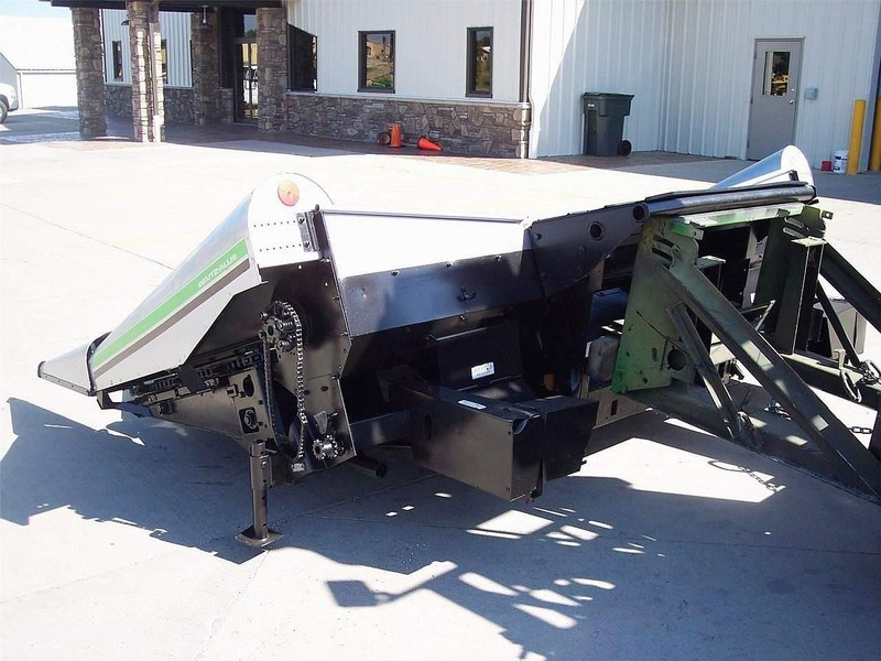 1979 Gleaner A438 Corn Head
