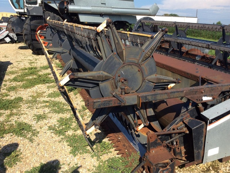 1981 Gleaner 300 Platform