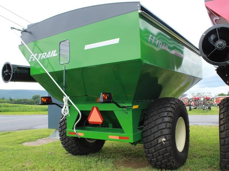 2019 E-Z Trail 550 Grain Cart