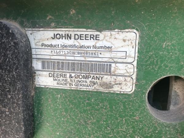 2011 John Deere 7130 Tractor