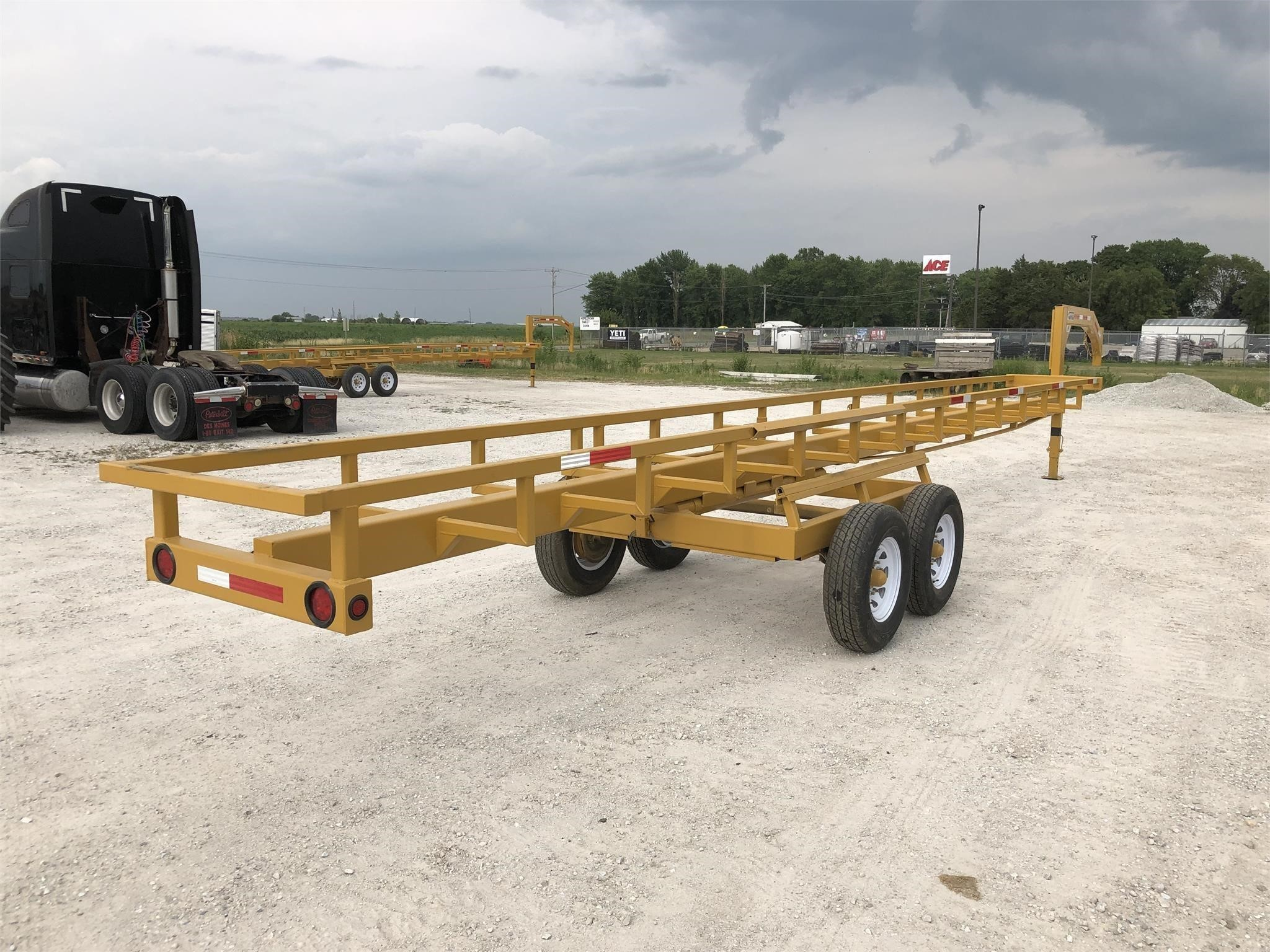 2020 M&W MW36HDNL Bale Wagons and Trailer