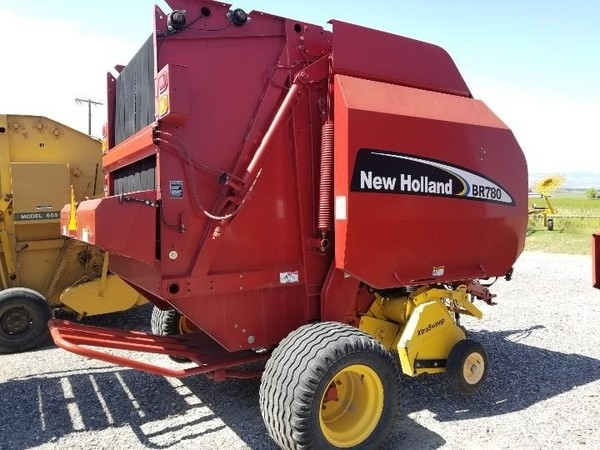 Used New Holland BR780 Round Balers for Sale | Machinery Pete