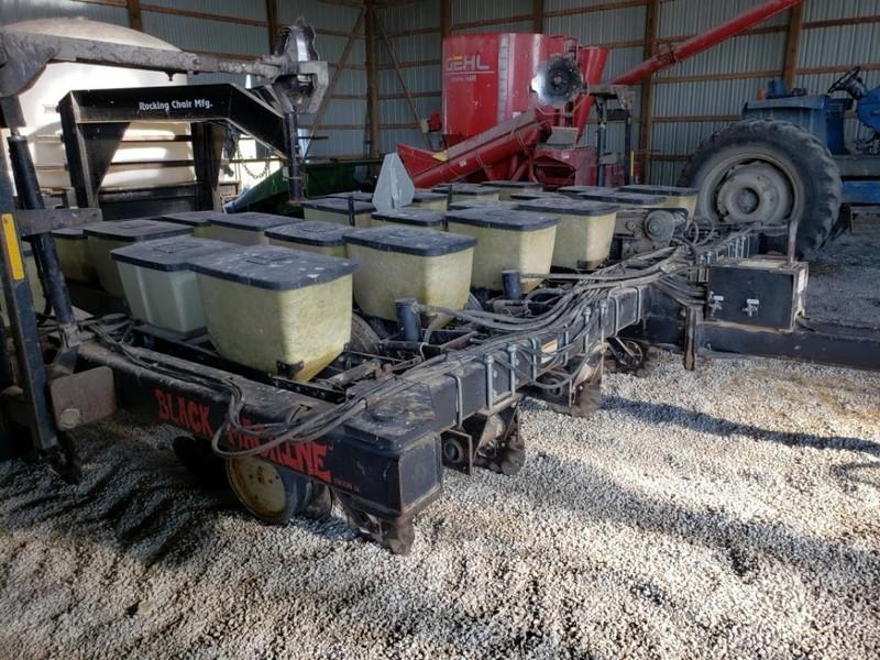 Black Machine 12-13 Planter