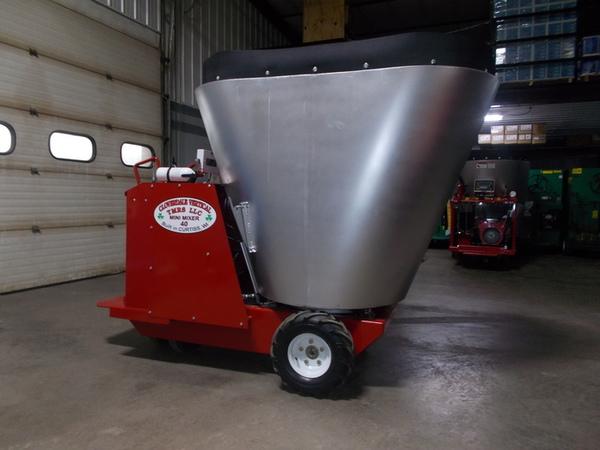 2019 Cloverdale 40 Feed Wagon