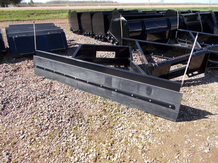 Hoover Feed Pusher Loader and Skid Steer Attachment