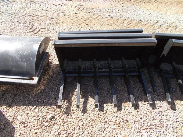 2016 Hoover Light Duty Manure Fork Loader and Skid Steer Attachment