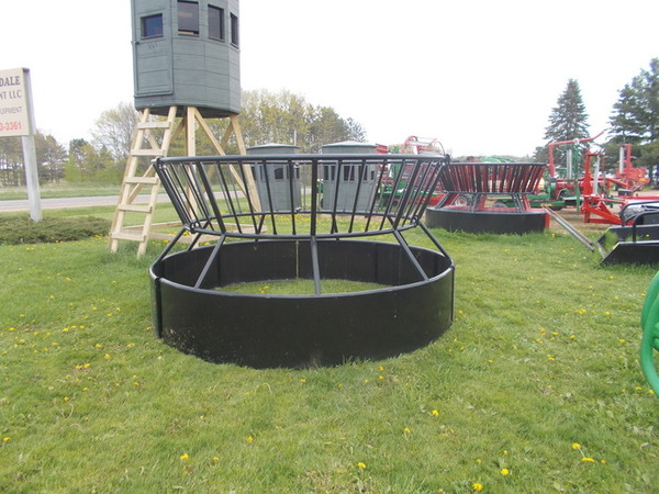 Used Bextra Round Bale Feeder Feed Bins for Sale | Machinery