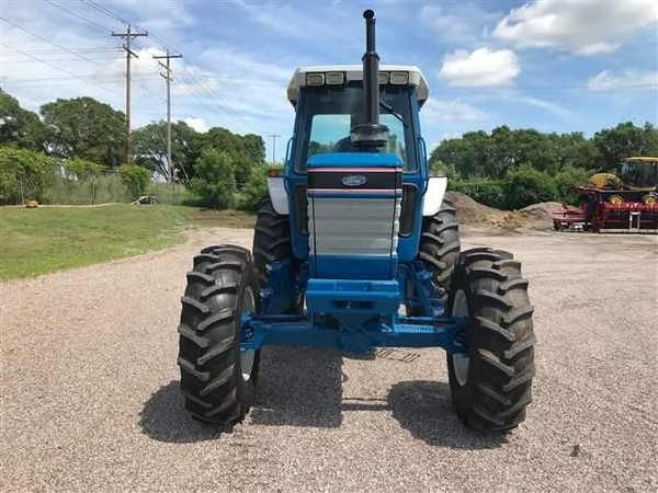 1987 Ford New Holland 7710 Tractor