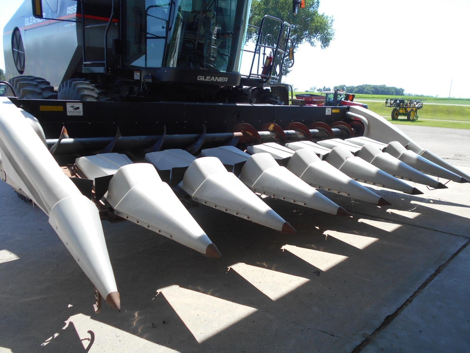 2003 Gleaner 3000 Corn Head