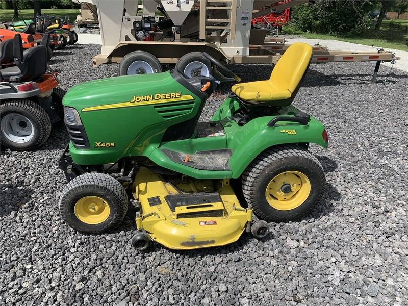John Deere X485 Lawn and Garden