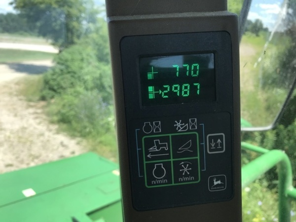 2003 John Deere 4995 Self-Propelled Windrowers and Swather