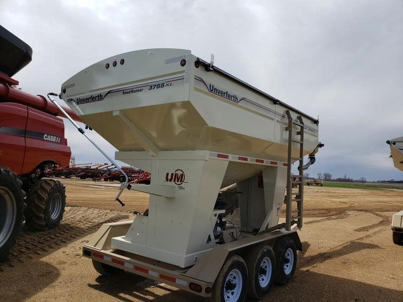 2018 Unverferth 3755XL Seed Tender