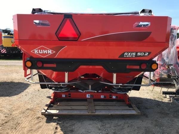 2019 Kuhn AXIS 50.2W Pull-Type Fertilizer Spreader