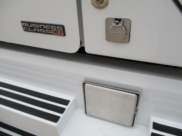 2008 Freightliner BUSINESS CLASS M2 106 Semi Truck