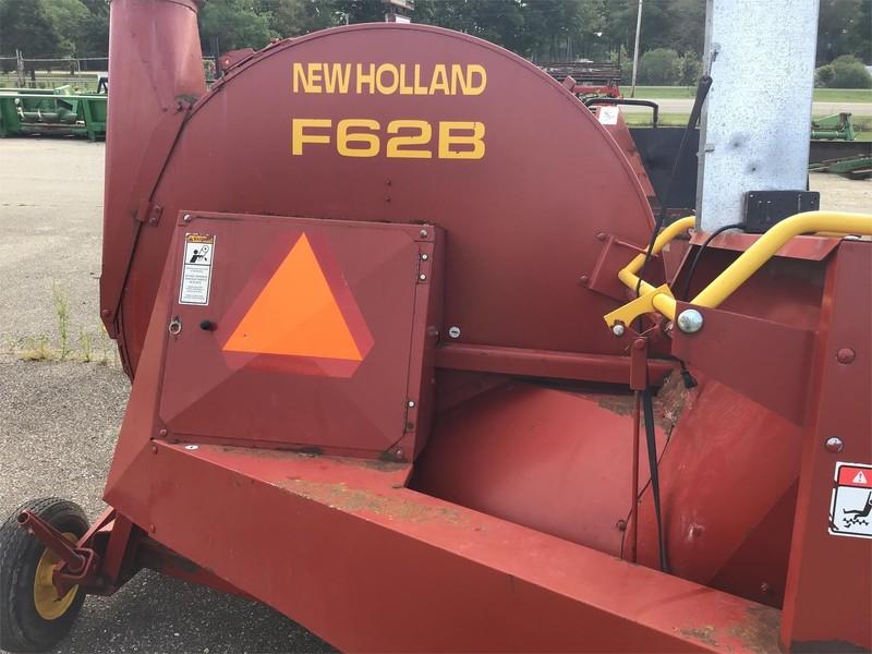 New Holland F62B Forage Blower