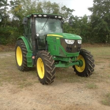 2013 John Deere 6125R Tractor