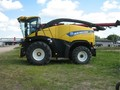 2014 New Holland FR600 Self-Propelled Forage Harvester