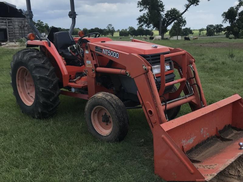 Kubota MX5000SU Tractor