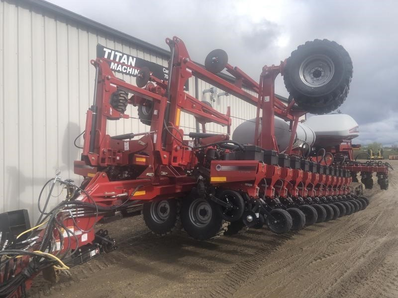 2016 Titan Machinery YIELDTRAC TM36R20 Planter