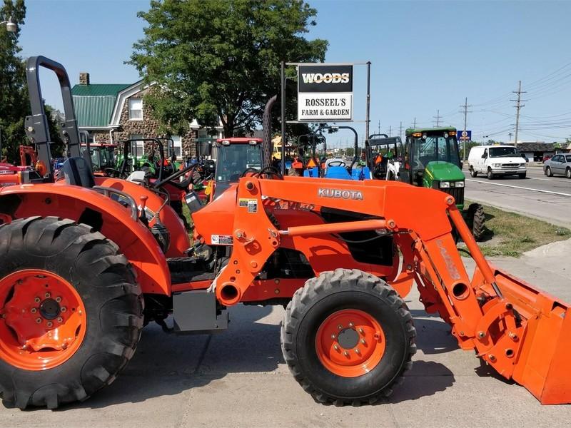Kubota M7040 Tractor