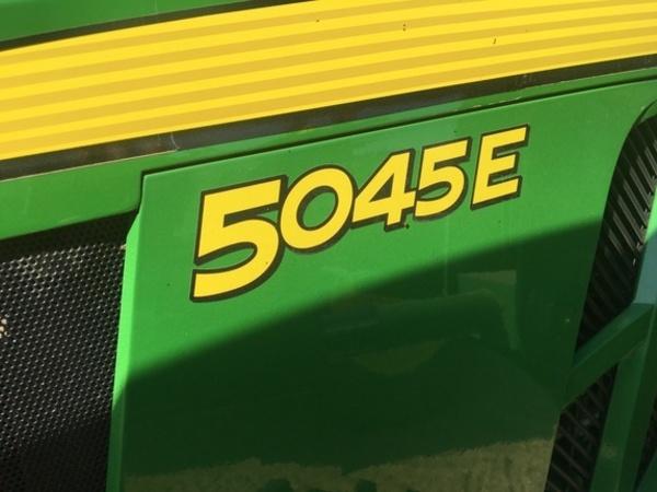 2016 John Deere 5045E Tractor