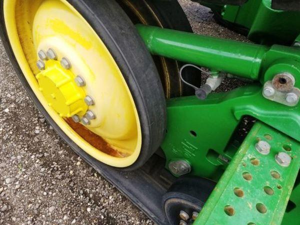2012 John Deere 8335RT Tractor
