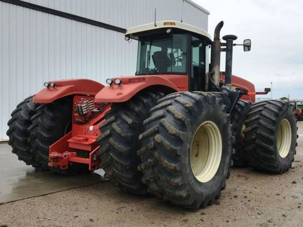 2006 Buhler 435 Tractor
