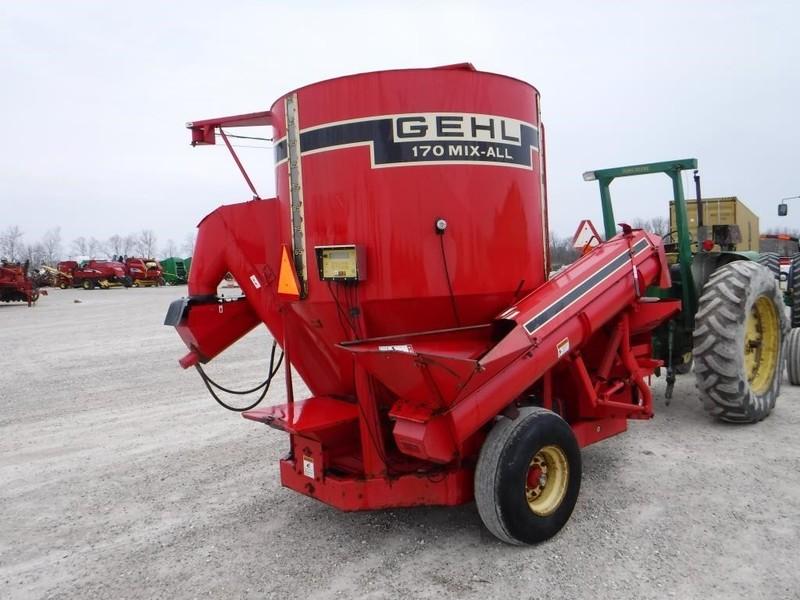 Gehl 170 Grinders and Mixer