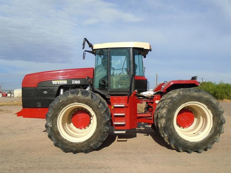 2005 Buhler Versatile 2360 Tractor