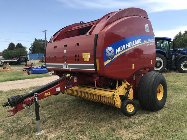 Used New Holland Roll-Belt 560 Round Balers for Sale