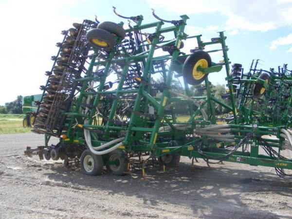 2005 John Deere 730 Air Seeder