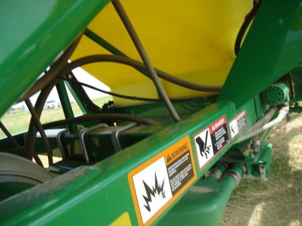 2011 John Deere 1830 Air Seeder