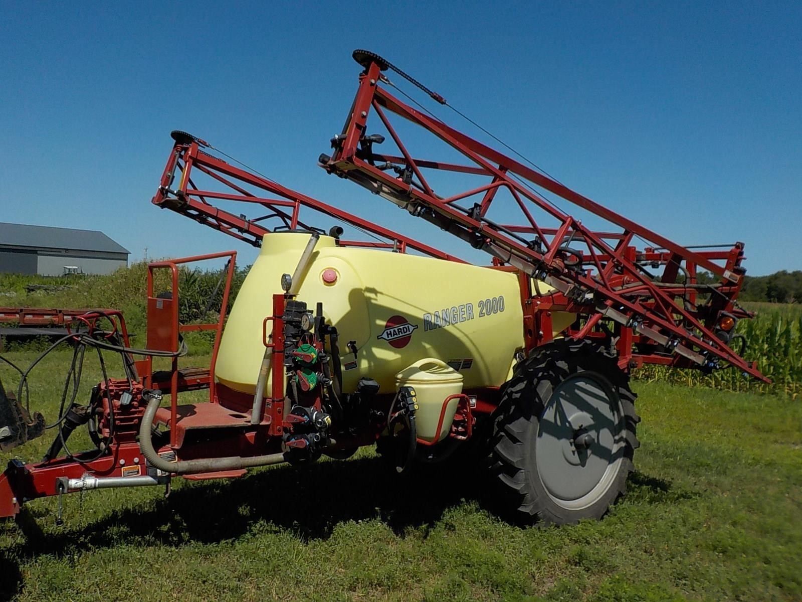 2012 Hardi Ranger 2000 Pull-Type Sprayer