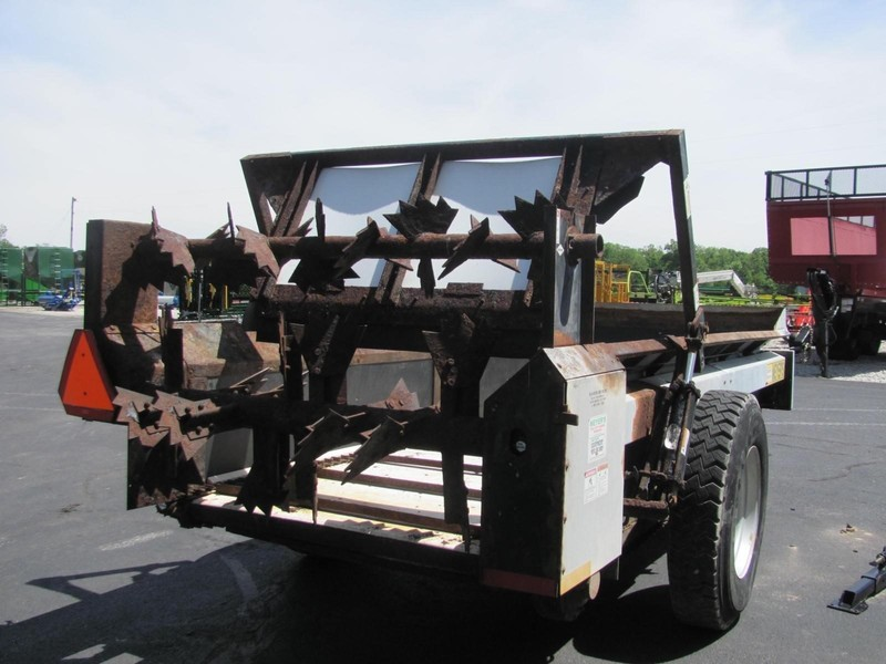 Meyers 225 Manure Spreader
