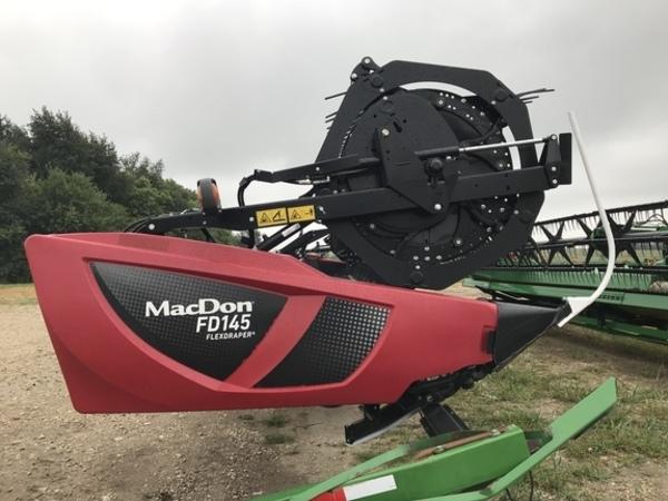 2018 MacDon FD145 Platform
