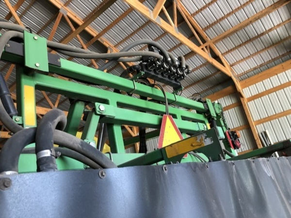 2004 Summers Manufacturing Ultimate NT Pull-Type Sprayer