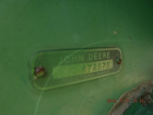 1975 John Deere 546 Corn Head