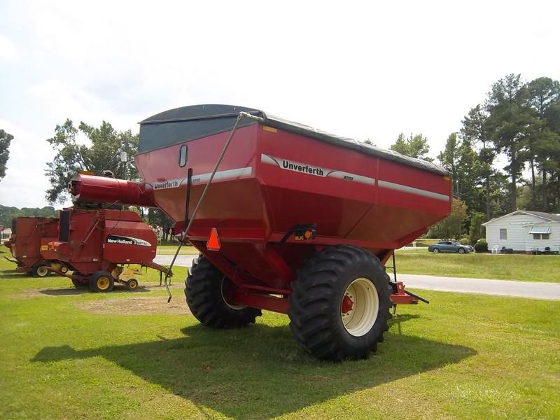 2013 Unverferth 8250 Grain Cart