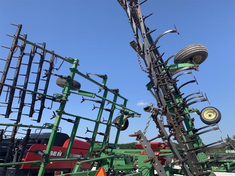 John Deere 2200 Field Cultivator
