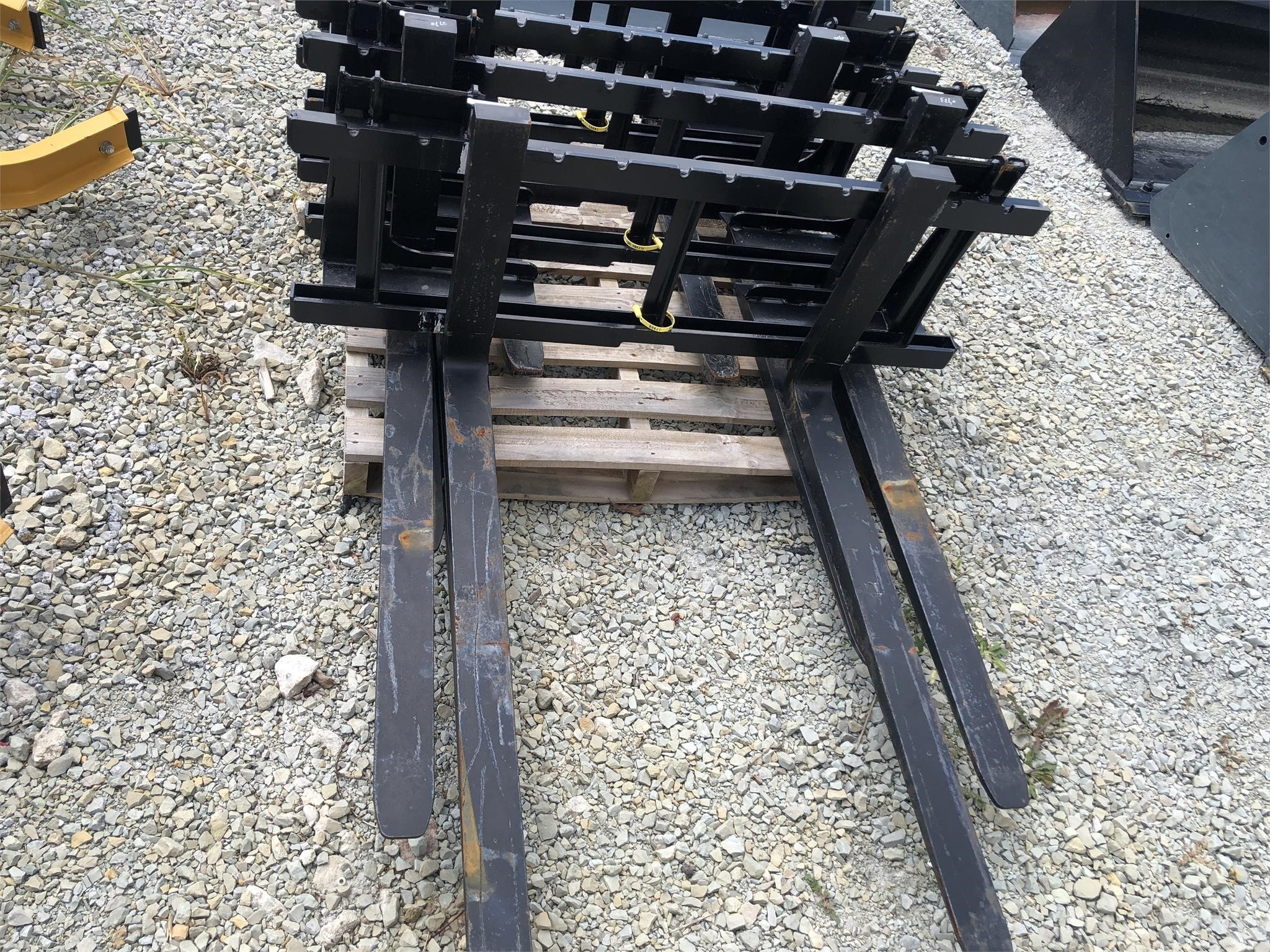 HLA HD09BO500 Loader and Skid Steer Attachment